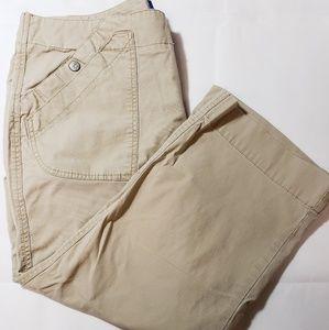 3/$25 🛍 Dockers Khaki Favorite Fit Straight Capri
